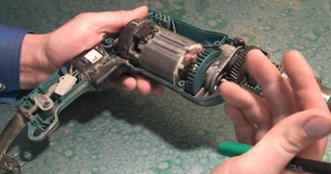 электродвигатель дрели - коллекторный переменного тока