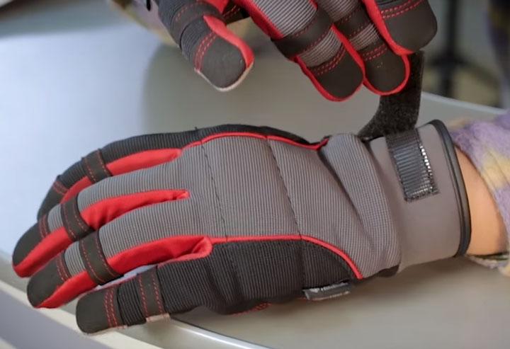 фиксация на кисти перчаток КВТ С-32