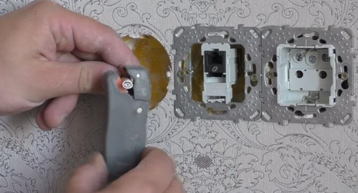 зачистка коаксиального тв кабеля стриппером