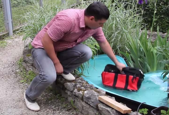 защитный нейлон сумки КВТ С-01 не боится воды