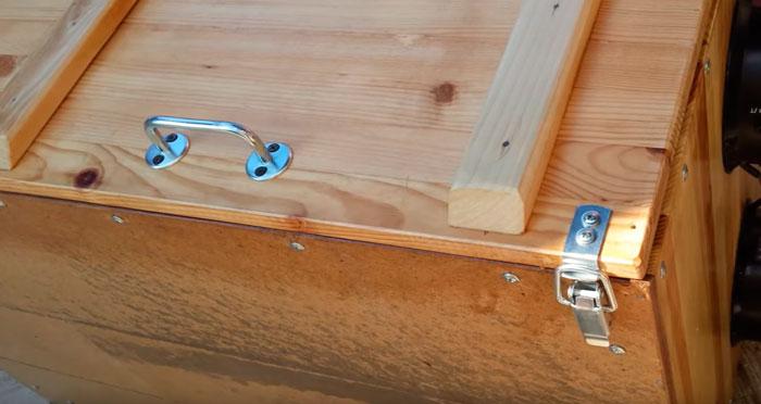 защелки на шкафу сушилки для плотного закрытия двери
