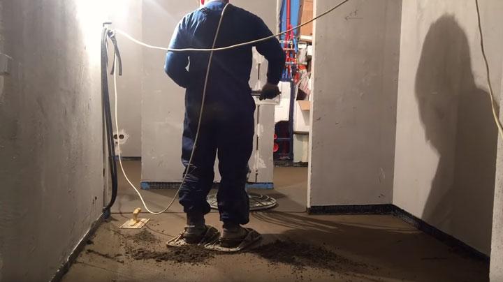 заливка и шлифовка стяжки после монтажа электрики по полу
