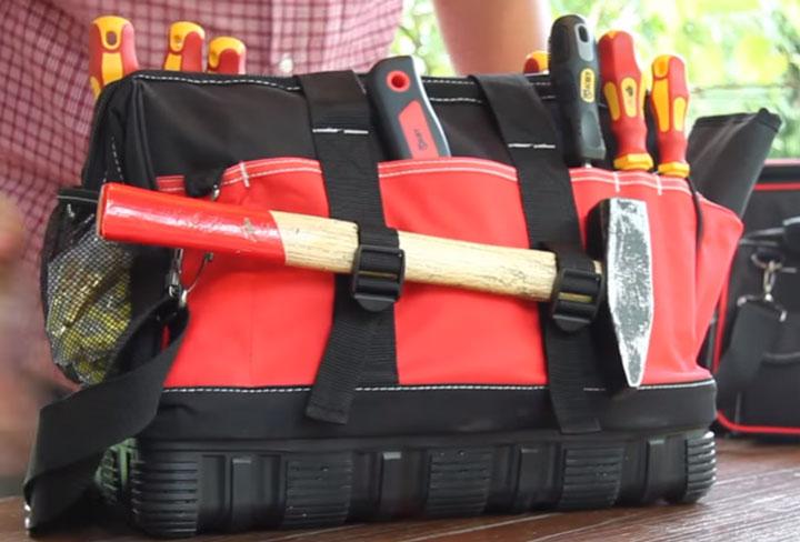 крепление под молоток в сумке инструментов от КВТ С-01