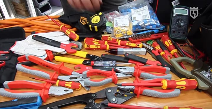 количество инструмента размещаемое в сумке КВТ С-05