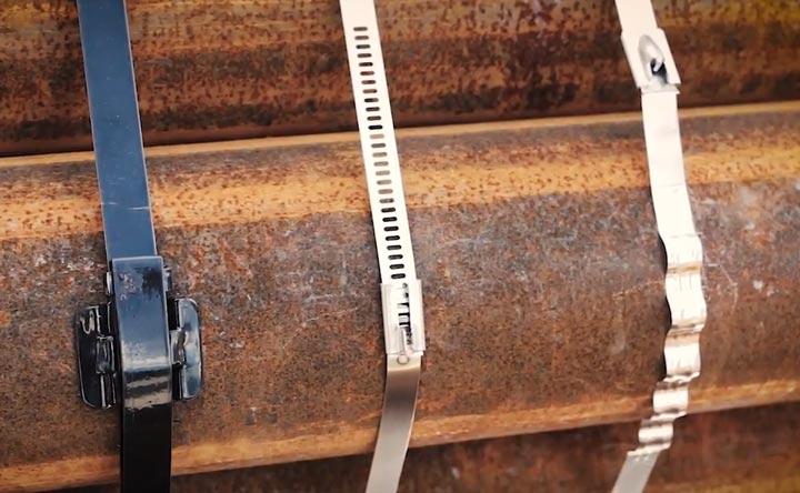 трубы стянутые стальными стяжками разного типа