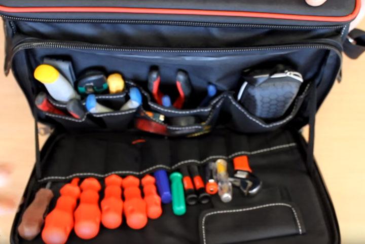размещение инструмента в сумке КВТ С-04