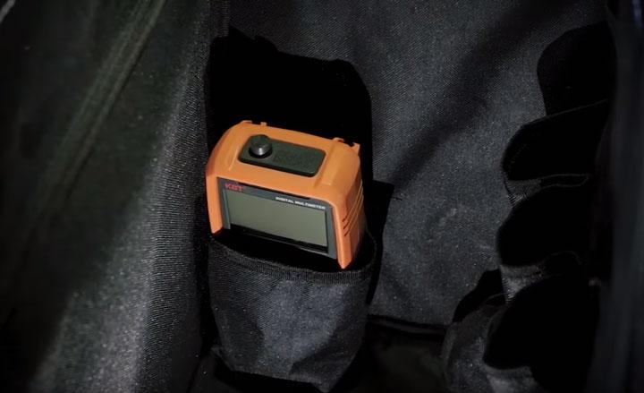 внутренний боковой карман сумки тележки КВТ для измерительных приборов