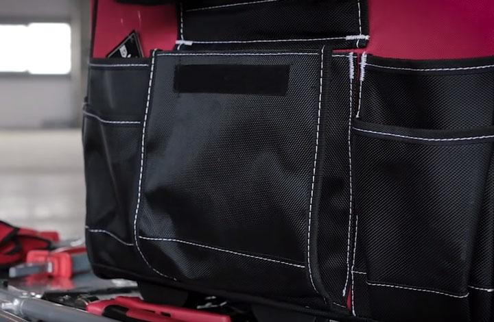 центральный карман с клапаном на липучке сумки КВТ С-02