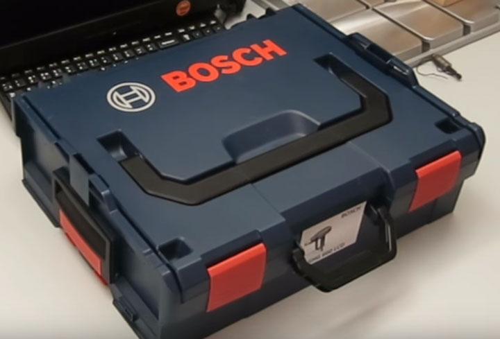 классический LBoxx 136 от Bosch для фена и насадок