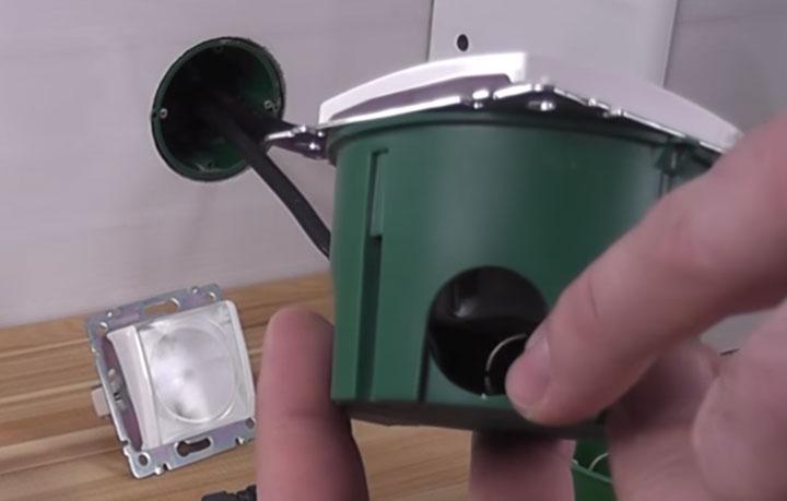 стандартный подрозетник 45мм для монтажа розетки сколько места под провода