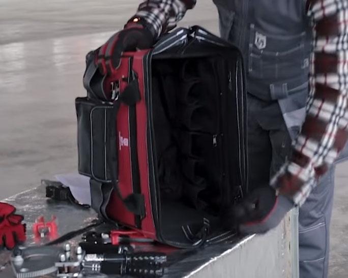 большой вместительный карман сумки тележки КВТ С-02