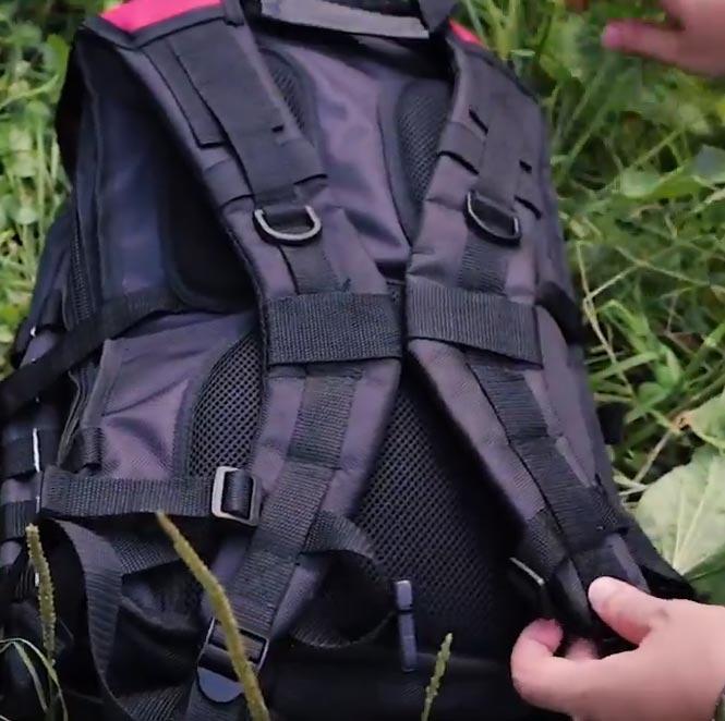 серповидная форма лямок у рюкзака КВТ