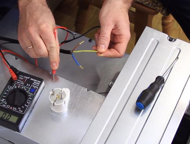 как проверить провода при подключении духовки к сети 220В