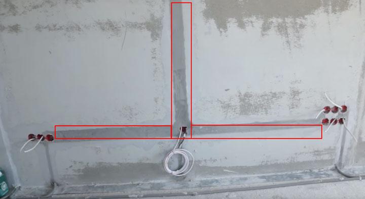 монтаж кабелей на стенке где вешается телевизор