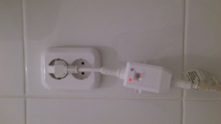 встроенное узо на 15мА на вилке водонагревателя
