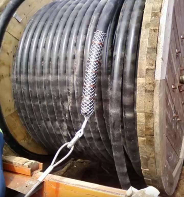 бандажи на кабельном чулке на конце кабеля СПЭ
