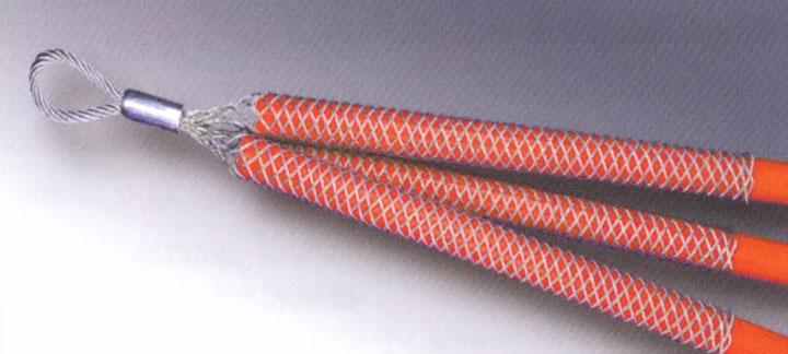 тройной кабельный чулок для 3-х однофазных кабелей с изоляцией из сшитого полиэтилена