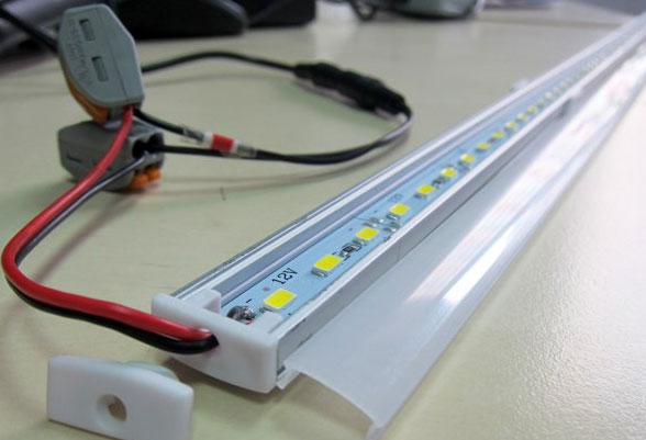 светодиодная лента в алюминиевом кожухе