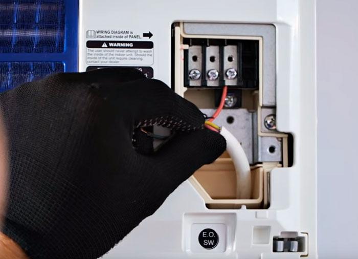 подключение кабеля питания 220В к кондиционеру