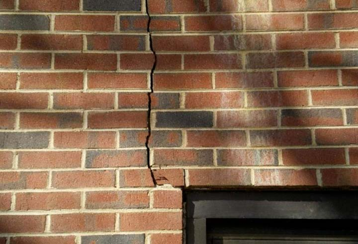 деформация стен и влияние на прокладку проводки