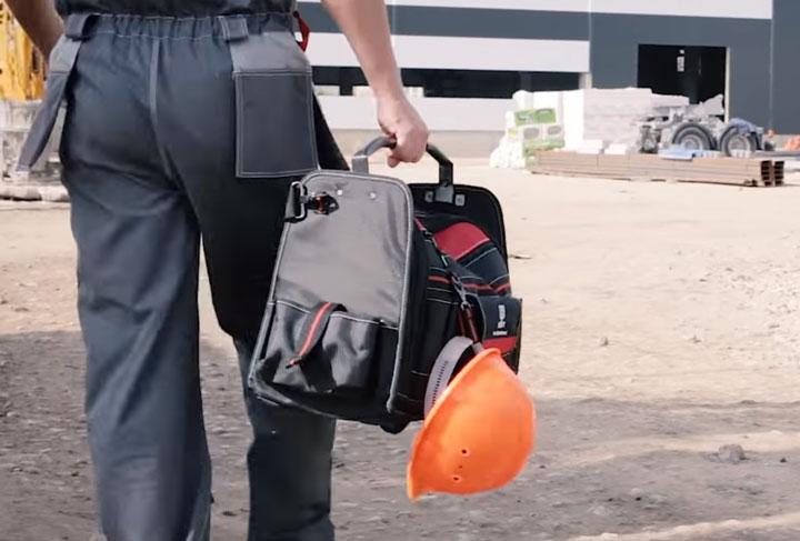 карабин для зацепа каски или дрели на сумке КВТ С-06
