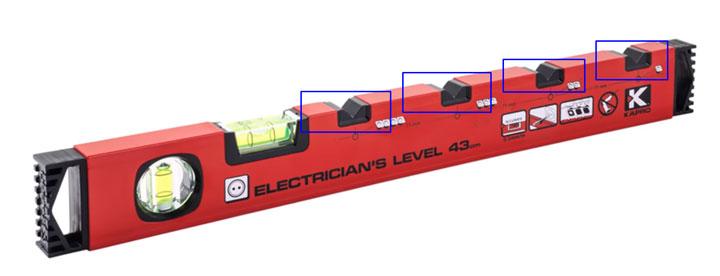 строительный уровень электрика с разметкой под блоки розеток