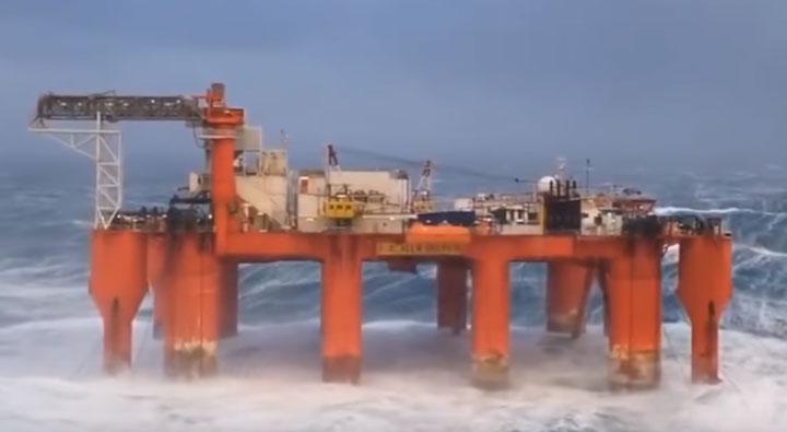 применение стяжек на плавучих платформах