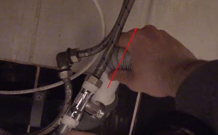 отсоединение слива от канализации