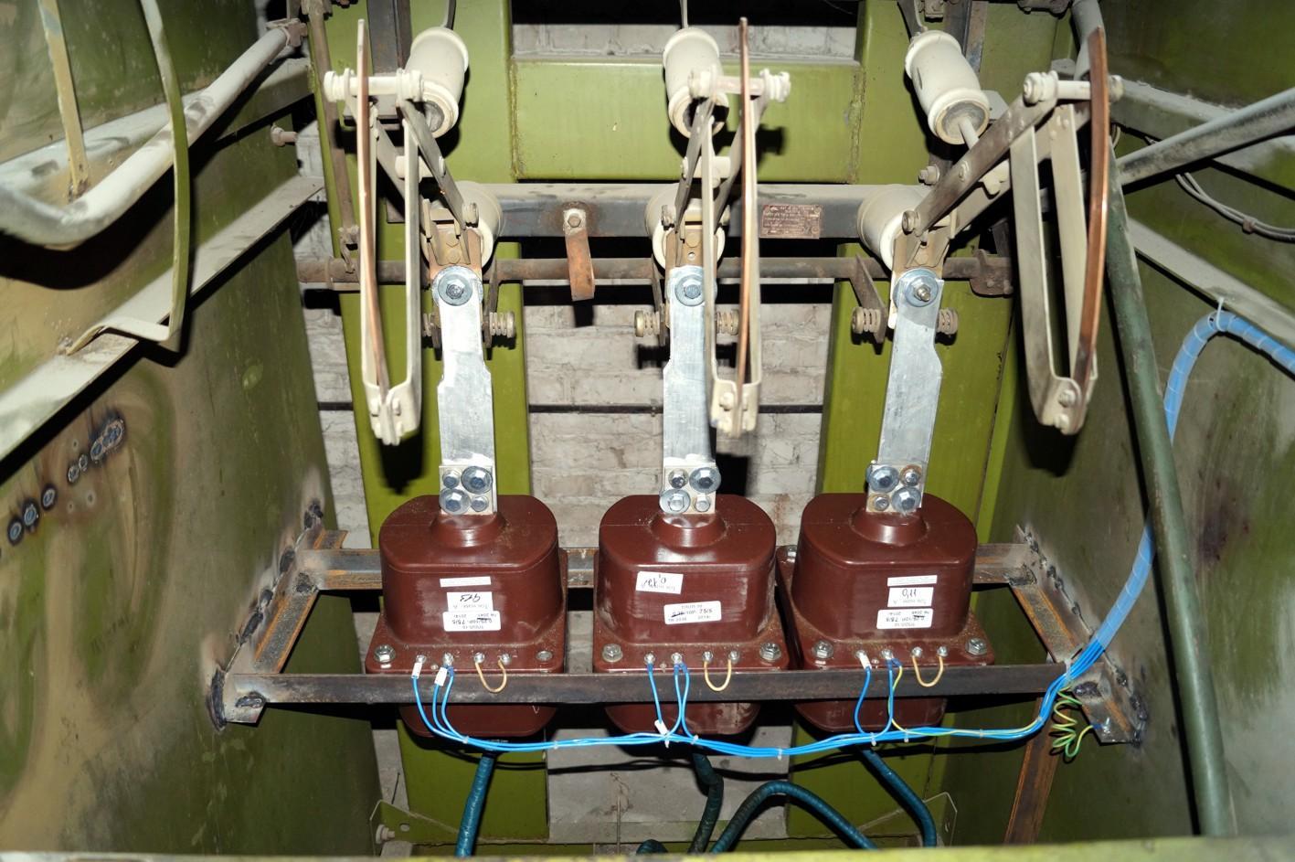 Установка трансформаторов тока в ячейке выше 1000 В