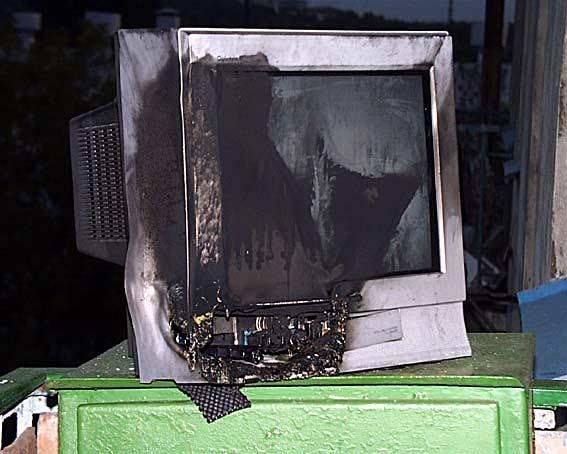 Пожар - последствие повышенного напряжения