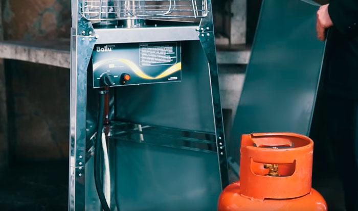 что в основании уличного газового обогревателя