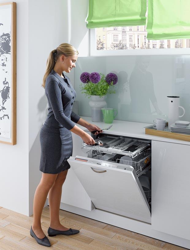 монтаж посудомойки на кухне