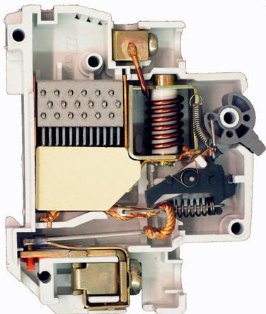 камера автоматического выключателя