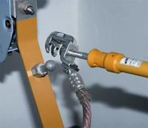 Крепление кабеля к струбцине
