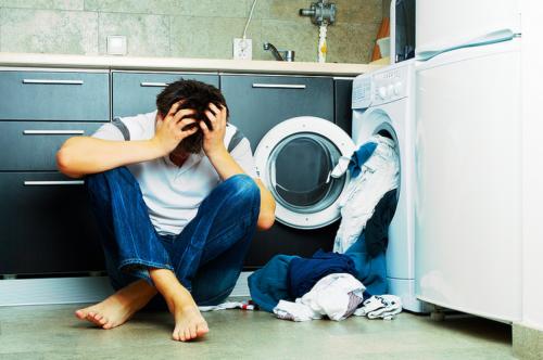 Если стиральная машина бьет током, использовать ее опасно