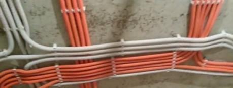 электропроводка на потолке