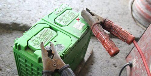 Пример подключения аккумулятора к зарядному устройству