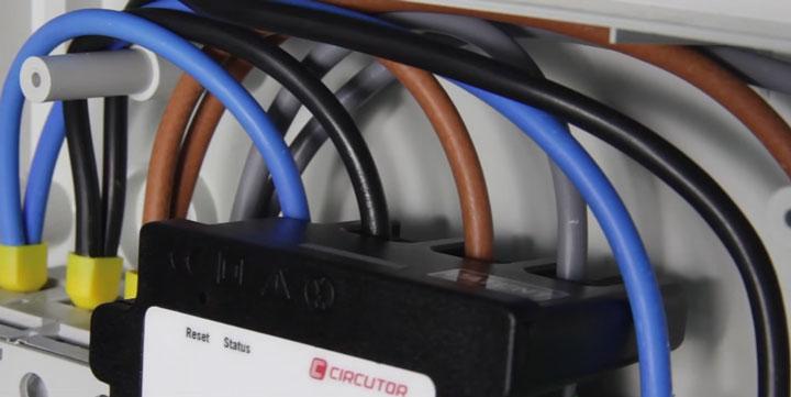 подключение проводов через анализатор количества электроэнергии Wibeee
