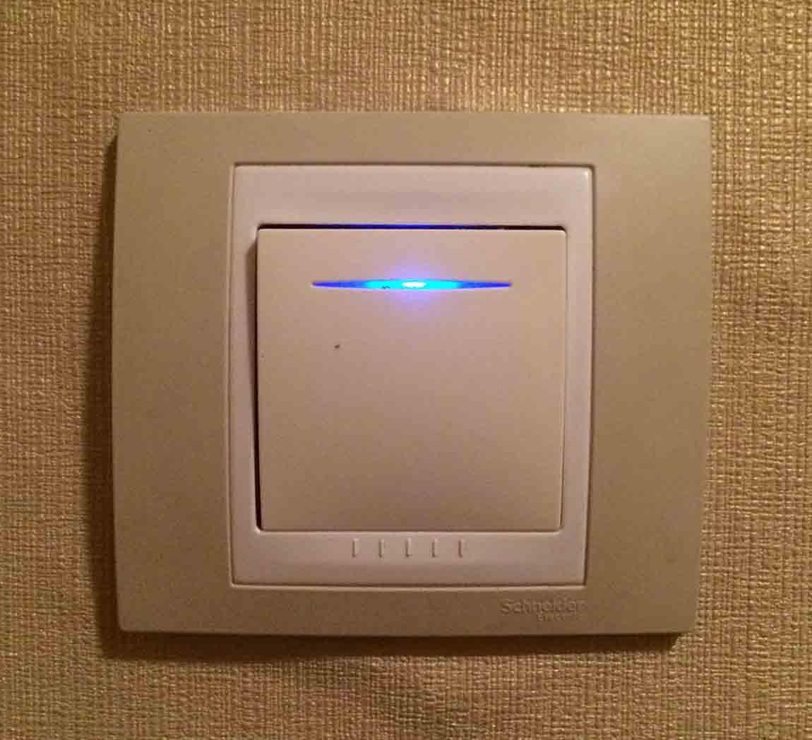 Индикаторный выключатель марки Shneider Electric
